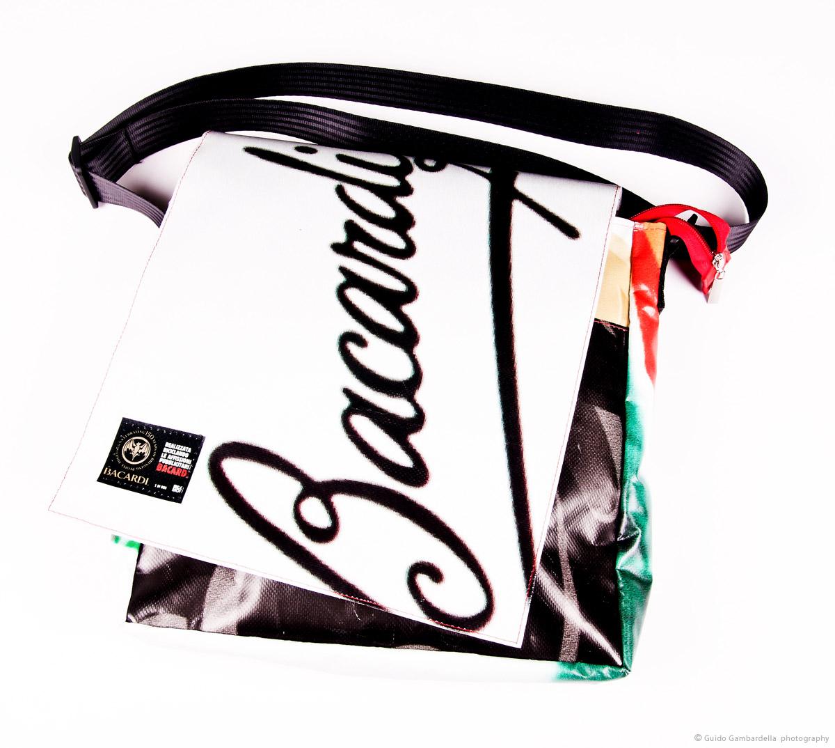 Riciclo creativo plastiche - Bacardi